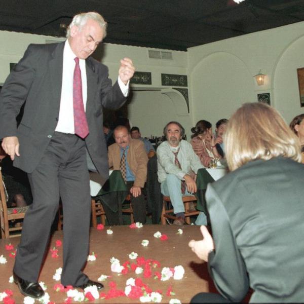 1980, 1982, Αληθινές Ιστορίες, Κίνημα, ΠΑΣΟΚ, Πανελλήνιο, Σοσιαλιστής, Σοσιαλιστικό, PASOK,Ακης,Τσοχατζόπουλος,