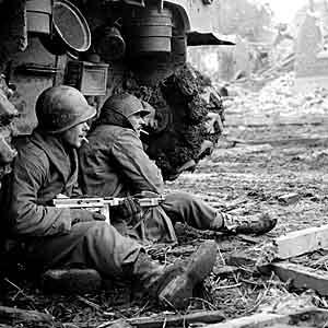US-Soldiers-1944 Ξεκούραση πριν την μάχη. Γερμανία 11/12/1944
