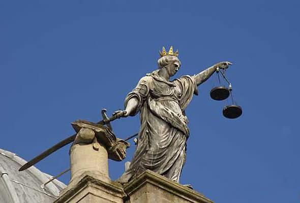 scales_of_justice_statue_bath