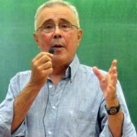 """Κώστας Ζουράρις: """"Μαψυλάκας, σαπροδιψής ο Μάκαριος Λαζαρίδης"""""""