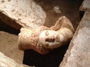 Αμφίπολη: Νέα συνταρακτικά ευρήματα,έπιασαν τζόκερ οι αρχαιολογοι.