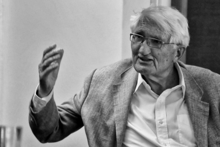 Jürgen Habermas - Έντονη κριτική στην Γερμανία που υπονομεύει την ΕΕ