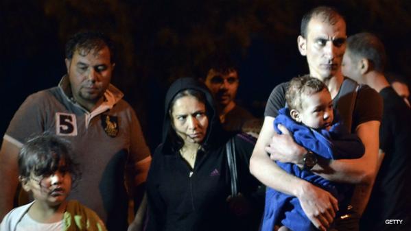 Πλαστά βίντεο από το FOX News κατά των #Refugees και Ρατσιστικές δηλώσεις Cameron (βίντεο)
