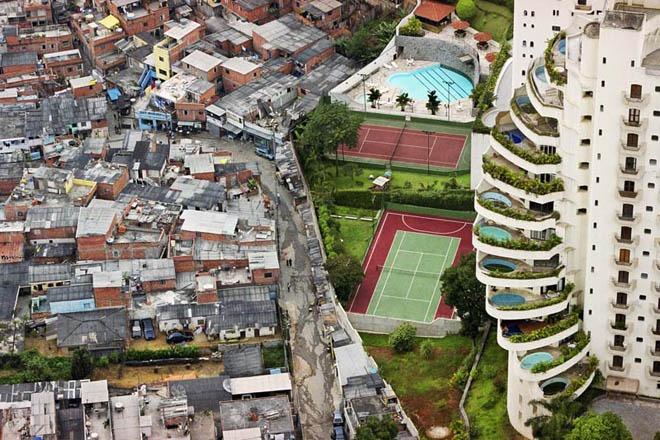 Favela-de-Paraisopolis