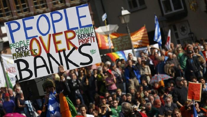 Οι Τράπεζες είναι ηθικοί αυτουργοί στις αυτοκτονίες συμπολιτών μας! ΜΟΝΟ ΣΤΟ ΚΟΝΤΡΑ!
