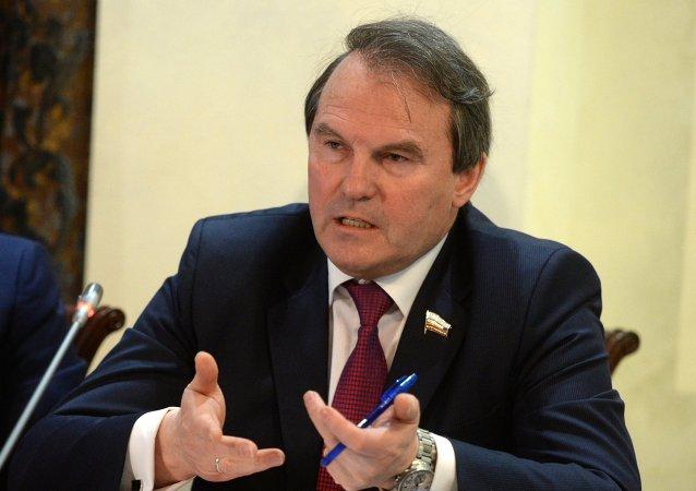 """Ο Μορόζοφ αποθεώνει την Ελλάδα! """"Η Ελλάδα ανάχωμα σε εκείνους που θέλουν να γυρίσουν τον τροχό της ιστορίας"""""""