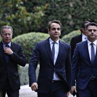 ΑΠΟΚΑΛΥΨΗ: Υπουργός του Μητσοτάκη κάνει ΑΡΠΑΧΤΕΣ πάνω στους νεκρούς του κορωνοϊού