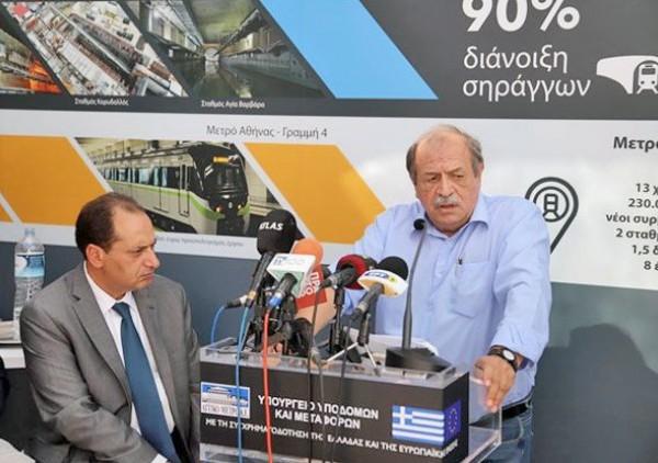 Ο Χρήστος Σπίρτζης και ο Στέλιος Παππάς (δεξιά), μαζί με τον Γιάννη Μυλόπουλο και τον Κώστα Αμπατζά παρουσίασαν στοιχεία για την κατάσταση που παρέλαβαν στον ΟΑΣΘ, το Μετρό και τον ΟΣΕΘ αντίστοιχα, αυτά που έκαναν μέχρι σήμερα και όσα σχεδιάζουν   ΜΟΤΙΟΝΤΕΑΜ / ΒΕΡΒΕΡΙΔΗΣ ΒΑΣΙΛΗΣ