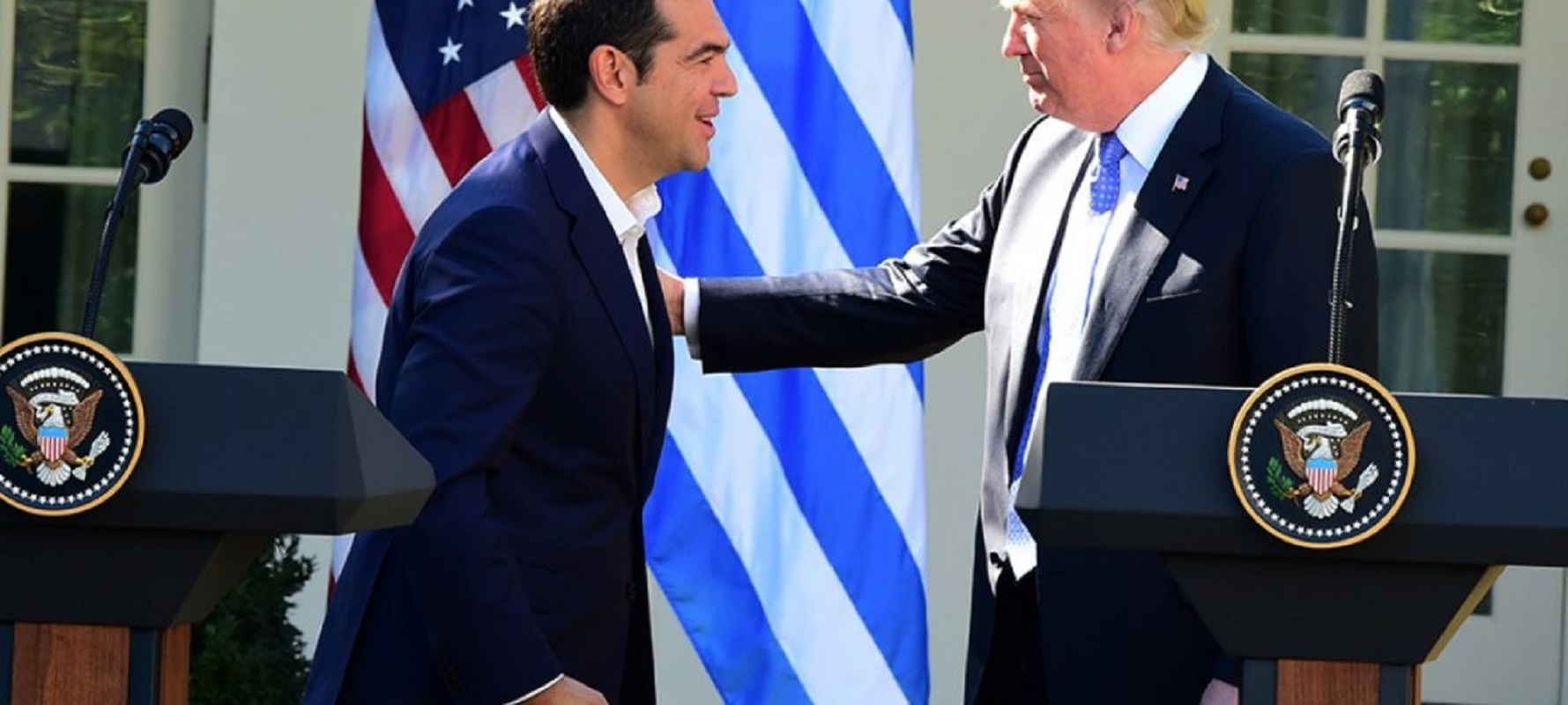 """Η στιγμή που… """"πάγωσε"""" ο Μητσοτάκης! (ΒΙΝΤΕΟ) #Τραμπ #Τσίπρας"""