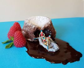 Ιταλός ζαχαροπλάστης δημιουργεί εντυπωσιακούς μικρόκοσμους με επιδόρπια (1)