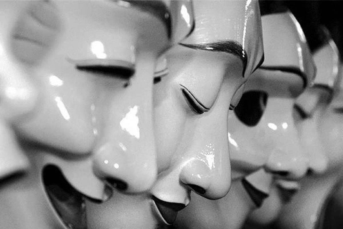 ΚΑΡΑΓΚΙΟΖΗΔΕΣ του διαδικτύου προσπαθούν να ξεπλύνουν τον σταθμό για την Εθνική Μειοδοσία κι απλά την επιβεβαίωσαν
