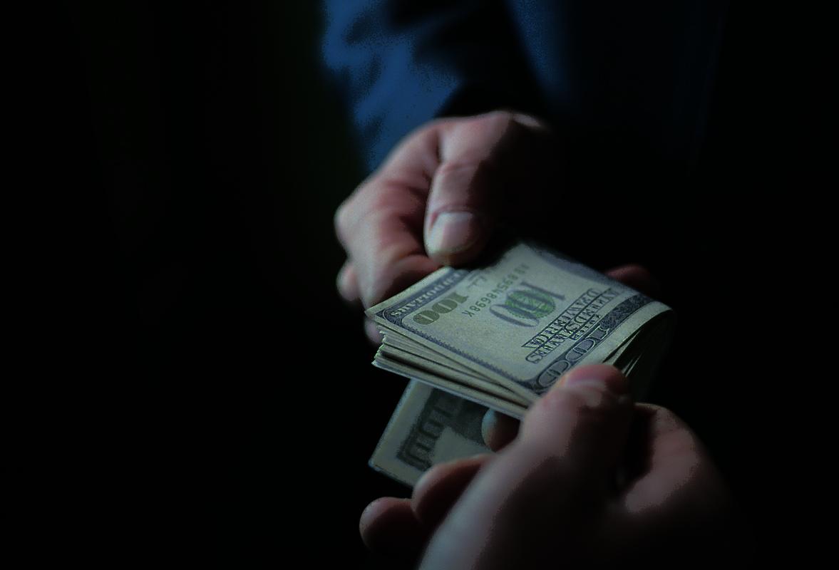 Δημήτρης Χατζηνικόλας: Χάρισαν 500 εκατομμύρια σε πλούσιους εφοπλιστές (Βίντεο) @xatzinikolas1 @documentonews @kostasvaxevanis