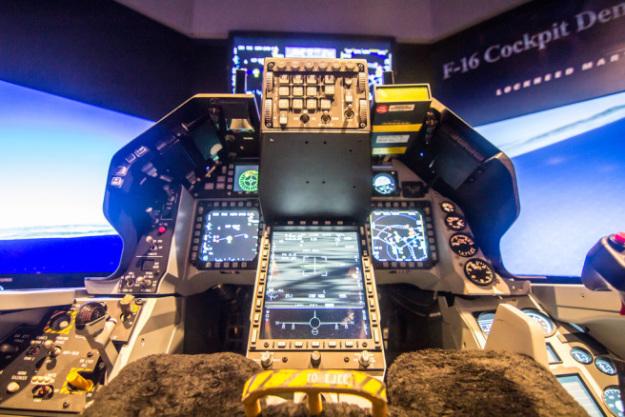 F-16-Viper-Lockheed-Martin-F-16-Block-70-greek (7)