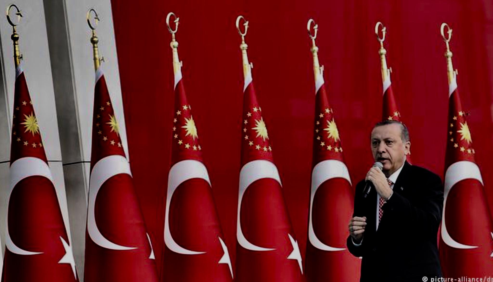 DW-Τι έγραψε ο ευρωπαϊκός Τύπος για τον Ερντογαν «Ο σουλτάνος έχει χρεοκοπήσει»