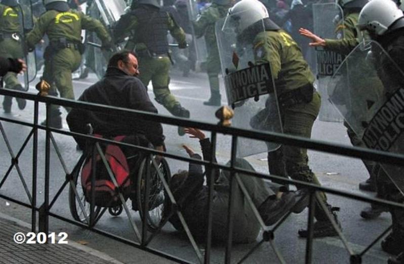 ΦΩΤΟΓΡΑΦΙΑ ΑΡΧΕΙΟΥ 2012Ρατσιστική επίθεση του Κυριάκου Μητσοτάκη στα άτομα ΑΜΕΑ από την ΔΕΘ! Τους θεωρεί ανθρώπους β΄κατηγορίας-ΔΕΙΤΕ ΤΟ ΒΙΝΤΕΟ  https://dai.ly/x6tp1vg