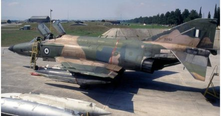 hellenic-air-force-f-4e-phantom-ii-general-electric-j-79-turbojet-engines-with-afterburners-12