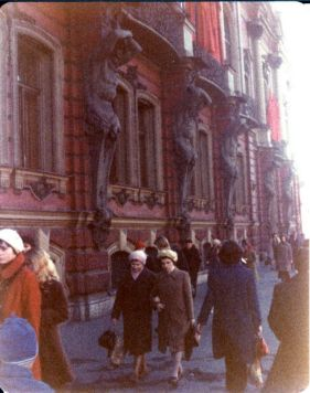 Leningrad in the 1970s This Is What Leningrad Looked Like in the Mid-1970s cccp ussr lenin (13)