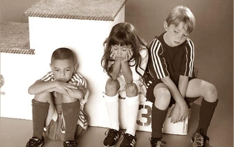 , λέμε, την ευτυχία των παιδιών μας. Μήπως εννοούμε την επιτυχία;
