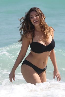 Αυτό είναι το ιδανικό σώμα μιας γυναίκας σύμφωνα με τους επιστήμονες. (1)