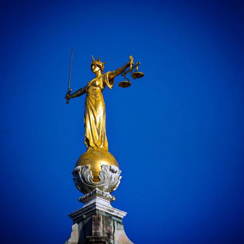 JUSTICE-SCALE-STATUE-LONDON-HIGH-COURT- (1)