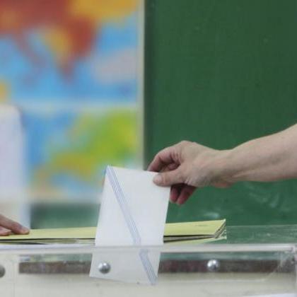 Σε δήμους και περιφέρειες η μάχη για την αξιοπιστία της πολιτικής