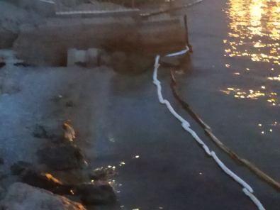 τάνκερ με κροατική σημαία προκάλεσε ρύπανση των υδάτων στην περιοχή της Πάχης Μεγάρων (6)
