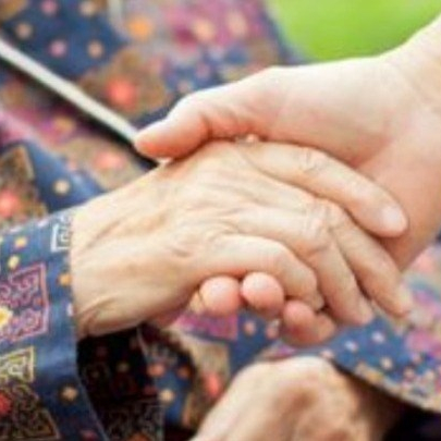 Η άλλη όψη του brain-drain. Οι ηλικιωμένοι γονείς που μένουν πίσω.