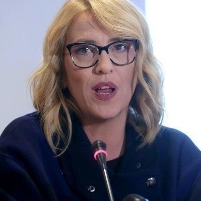 Ρενα Δούρου: «Ντροπή κύριοι Μητσοτάκη και Πατούλη»