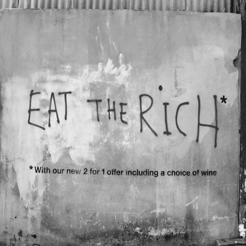 Οι 5 πλουσιότεροι Αμερικανοί έχουν στα χέρια τους πάνω από το 2% του ΑΕΠ των ΗΠΑ