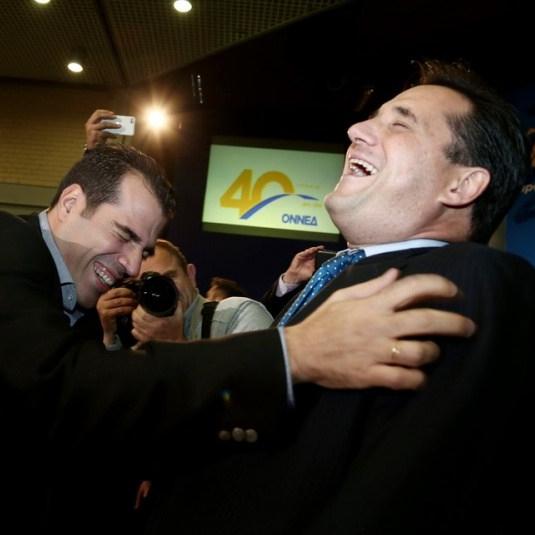 Ο Αδωνις Γεωργιάδης βρίσκει πολύ αστείο ότι η Νέα Δημοκρατία θα ψηφίσει τα μνημόνια με τα Σκόπια (Βίντεο)