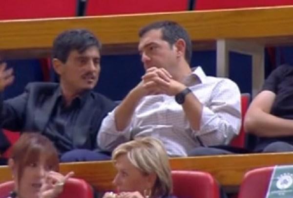 Ο Αλέξης Τσίπρας μαζί με τον πρόεδρο της ΚΑΕ Παναθηναϊκός Δημήτρη Γιαννακοπουλο Τράκκης Παύλος Γιαννακόπολους Θανάσης Γιαννακοπουλος στο αγώνα μπάσκετ με την Fenerbahçe.jpg