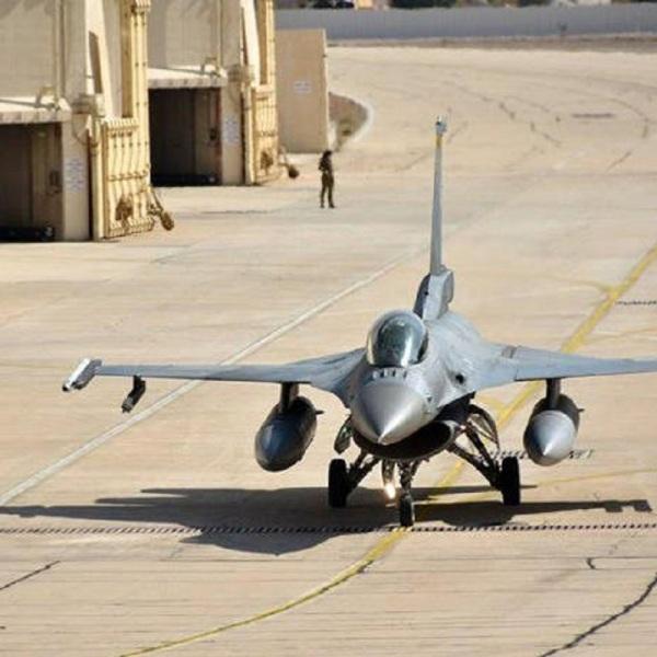 ΣΑΡΩΣΑΝ ΤΟΥ ΑΙΘΕΡΕΣ οι Ελληνες πιλότοι F-16 σε άσκηση στο Ισραήλ ! Στην σχετική ανακοίνωση της Πολεμικής Αεροπορίας αναφέρεται πως: «Από την Κυριακή 3 έως και την Παρασκευή 15 Νοεμβρίου 2019, η Πολεμική Αεροπορία συμμετείχε στην άσκηση «Blue Flag 2019», με κλιμάκιο τεσσάρων αεροσκαφών F-16 Block 52+ Advance και ανάλογο προσωπικό της 335Μ, της 116 Πτέρυγας Μάχης/Αεροπορική Βάση Αράξου, το οποίο μεταστάθμευσε στην Αεροπορική Βάση Ovda, στο Ισραήλ. Κατά τη διάρκεια της άσκησης εκτελέσθηκαναποστολές οι οποίες κάλυψαν όλο το εύρος των αεροπορικών επιχειρήσεων, ημέρα και νύχτα, σε περιβάλλον αεροσκαφών 4ης και 5ης γενιάς. Στην άσκηση συμμετείχαν με αεροπορικές δυνάμεις, εκτός του Ισραήλ (F-15, F-16 και F-35) και της Ελλάδας, η Γερμανία (Eurofighter), οι ΗΠΑ (F-16) και η Ιταλία (F-35).»  Διακρίθηκαν για την «μαχητικότητα και το επιθετικό τους πνεύμα» συν την άριστη προσαρμοστικότητά τους στο απαιτητικό επιχειρησιακό περιβάλλον αεροσκαφών 4ης και 5ης γενιάς (F-35) ανέφερε καλά πληροφορημένη πηγή.