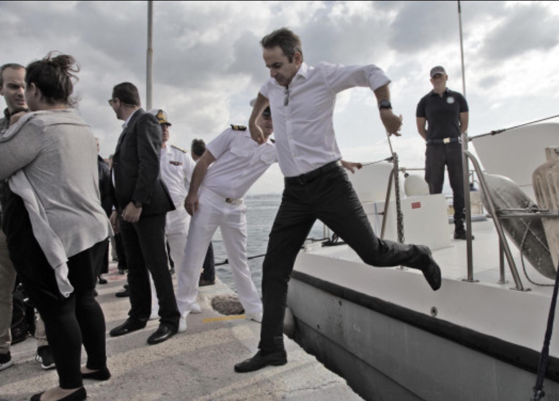 """Νότης Μηταράκης προς συνταξιούχους : """"Δεν θα πάρετε 13η σύνταξη"""""""