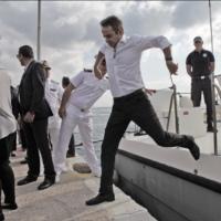 Ο Κυριάκος Μητσοτάκης γελοιοποίησε την Ελλάδα στο εξωτερικό - Βίντεο στο Al Jazeera για τον θαλάσσιο φράχτη [ΒΙΝΤΕΟ]