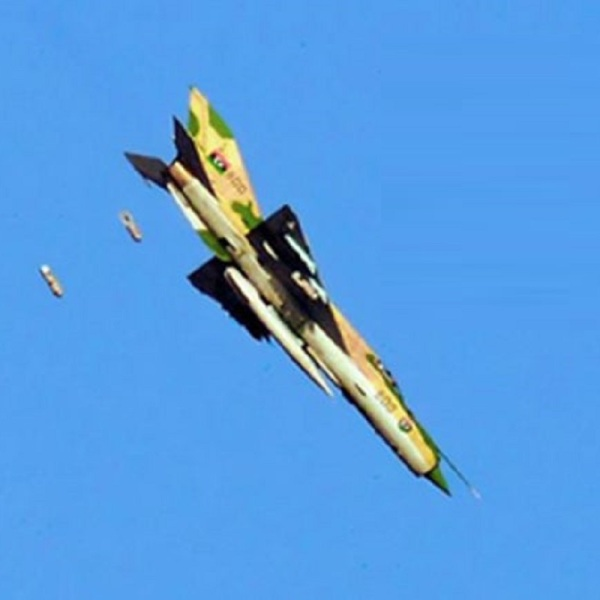 Mig-21-bombing-Benghazi-close1