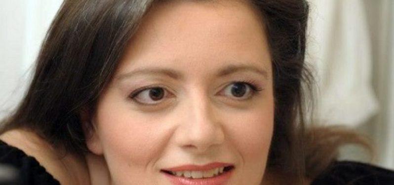 Η Μαργαρίτα Συγγενιώτου είναι μεσόφωνος, μέλος του Δ.Σ. της ΠΟΘΑ