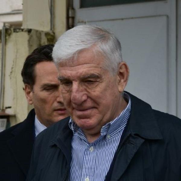 Ο Γιάννος Παπαντωνίου κατά την αποφυλάκιση με σκόντο στις 7 Απριλίου 2020