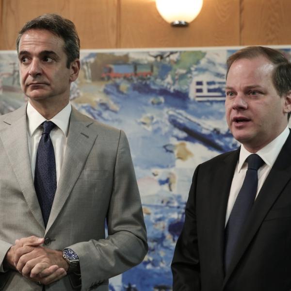 Πρωθυπουργός Κυριάκος Μητσοτάκης και Υπουργός Μεταφορών Κώστας Καραμανλής
