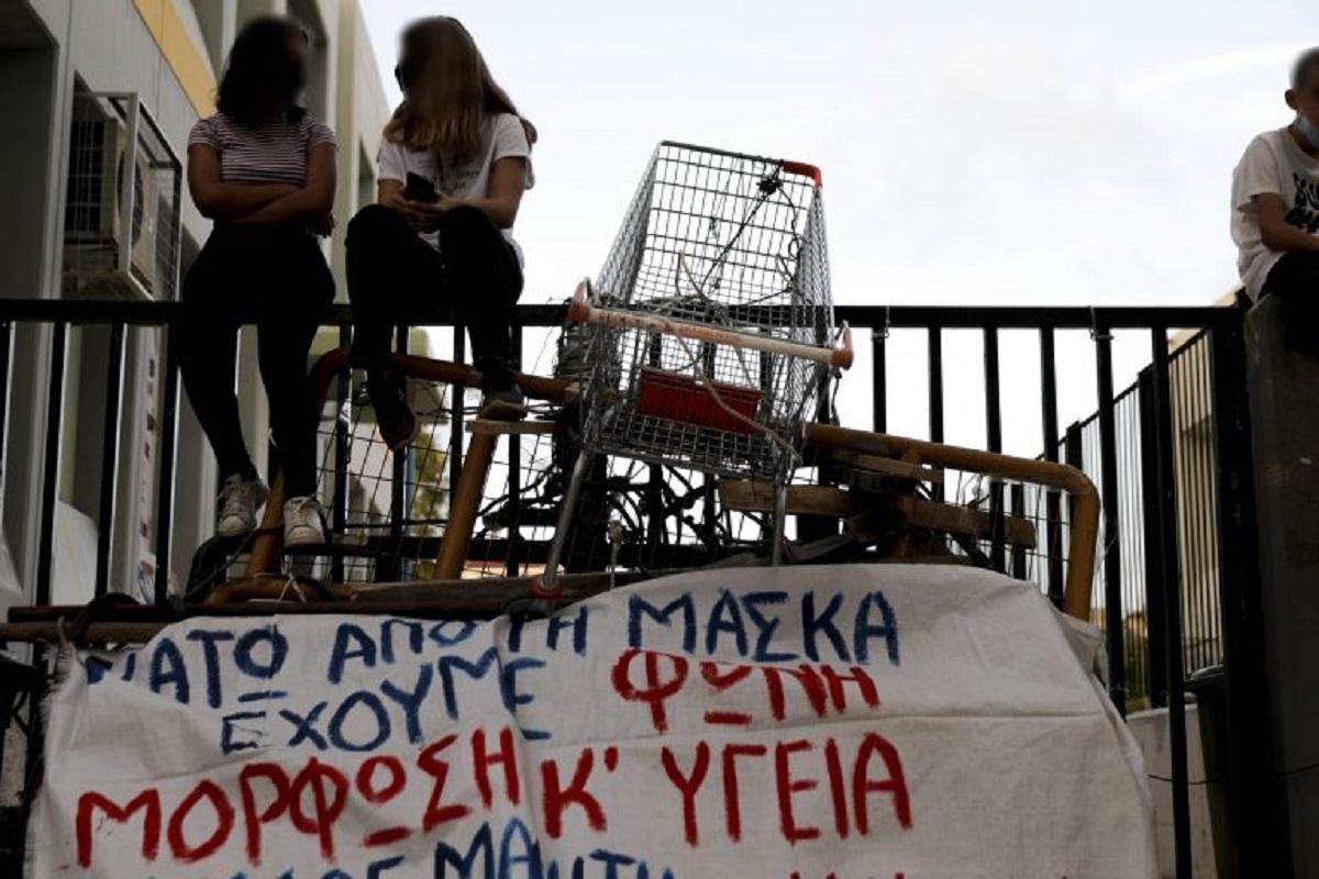 Κυβέρνηση Ρουφιάνων: Η αστυνομία ζήτησε από γονείς να καταδώσουν «υποκινητές» για την Κατάληψη στην Πετρούπολη