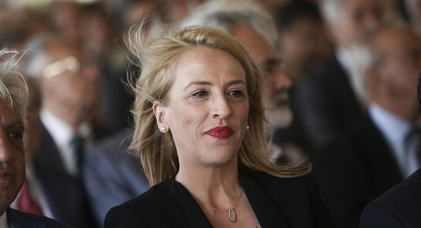 """Ποια Ρένα Δούρου; Η Φωτεινή Πιπιλή """"ανακάλυψε"""" σήμερα στη Βουλή ότι στη Μάνδρα """"δημοτική αρχή και πολεοδομία έπνιξαν κόσμο"""" (Βίντεο)"""