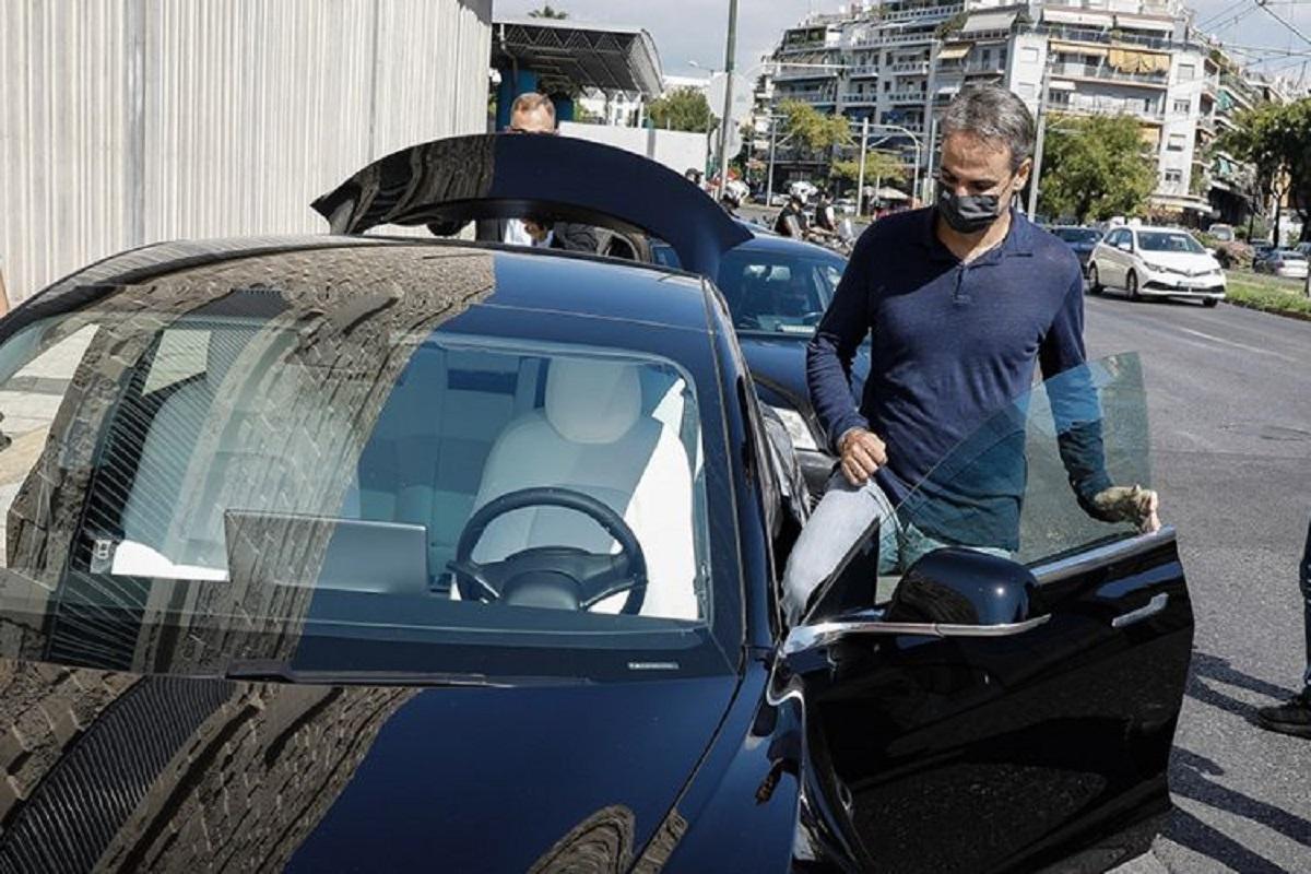 Φόρος στο καύσιμα για να έχουν φθηνότερα τα ακριβά αυτοκίνητα οι πλούσιοι φίλοι του Μητσοτάκη και η Siemens