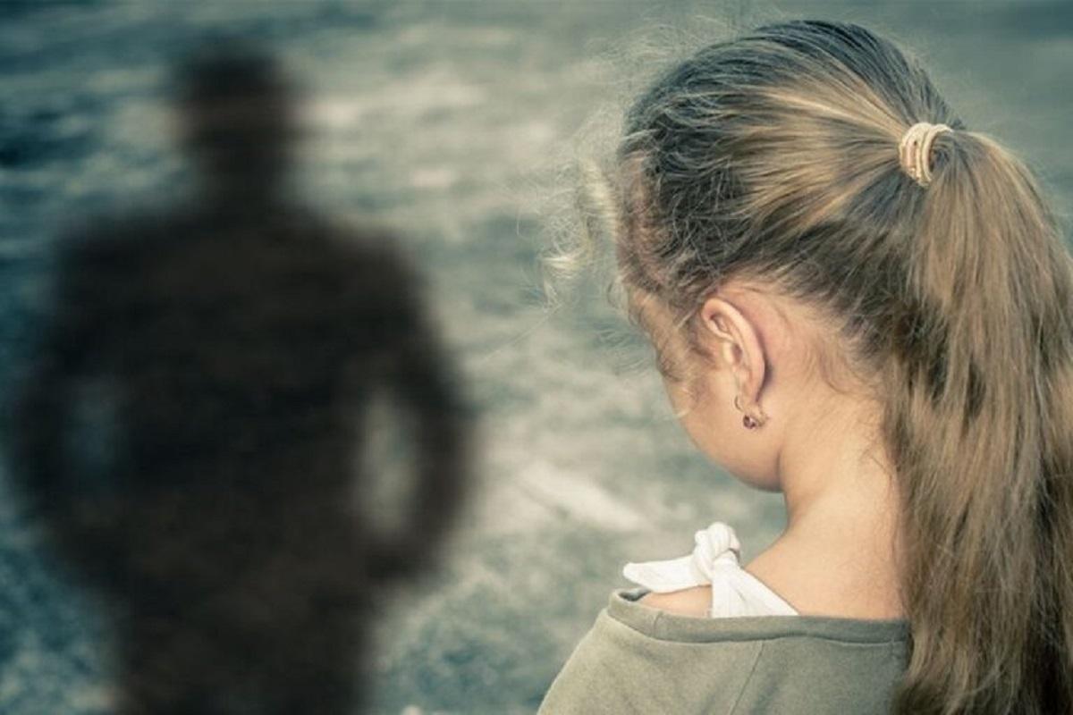 Κώστας Τσόκλης: «Δεν καταλαβαίνω γιατί ο βιαστής είναι πιο κακός από την κοπέλα που βγάζει τα βυζιά της» #MeTinSofia #ΜεΤηνΚαθεΣοφια #ΜεΤηνΣοφια #MeToo #Σοφια_Μπεκατωρου
