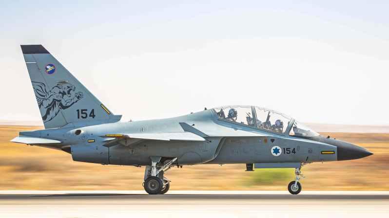 -israeli-air-force-m-346-lavi-in-line