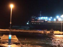 Πρόσκρουση του Νήσος Μύκονος στο λιμάνι του Αγίου Κηρύκου (2)