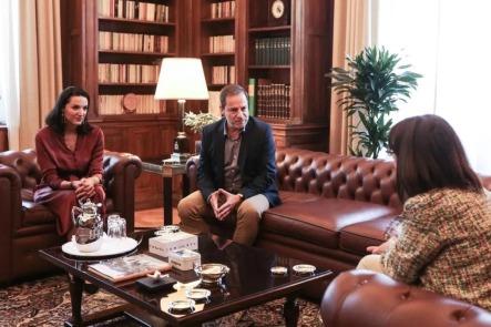 Συνάντηση της Προέδρου της Δημοκρατίας με Κατερίνα Ευαγγελάτου και Δημήτρη Λιγνάδη