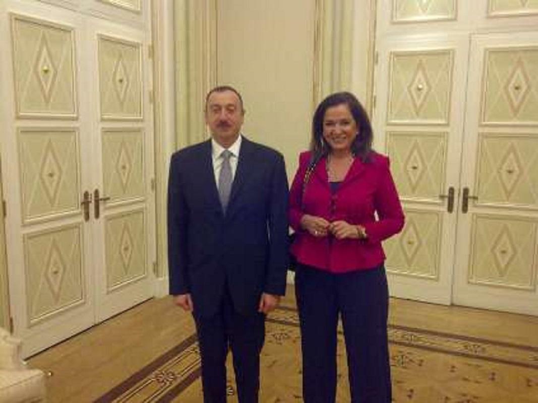 Δείτε τι έκανε ο εγκληματίας πόλεμου ο Αζέρος Πρόεδρος Αλίγιεφ (Φώτο)
