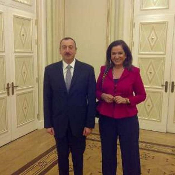 H βουλευτής της ΝΔ Ντόρα Μπακογιάννη συμμετέχει στη Σύνοδο Κορυφής Νότιου Καυκάσου για τη συμβίωση των κοινωνιών και είχε συνάντηση με τον πρόεδρο του Αζερμπαϊτζάν Ιλχάμ Αλίγιεφ. Τρίτη, 7 Μαΐ 2013