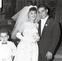 Ζωή Λάσκαρη Στέλλα Στρατηγού (1960 – 1965) Μαρινέλλα (1973 – 1981) Τζούλια Παπαδημητρίου (1990 – 1996) Άντζελα Γκερέκου (8)